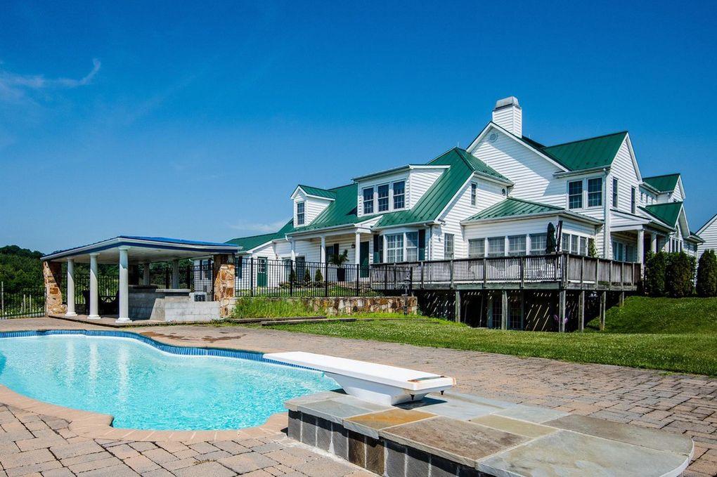 farmhouse, pool