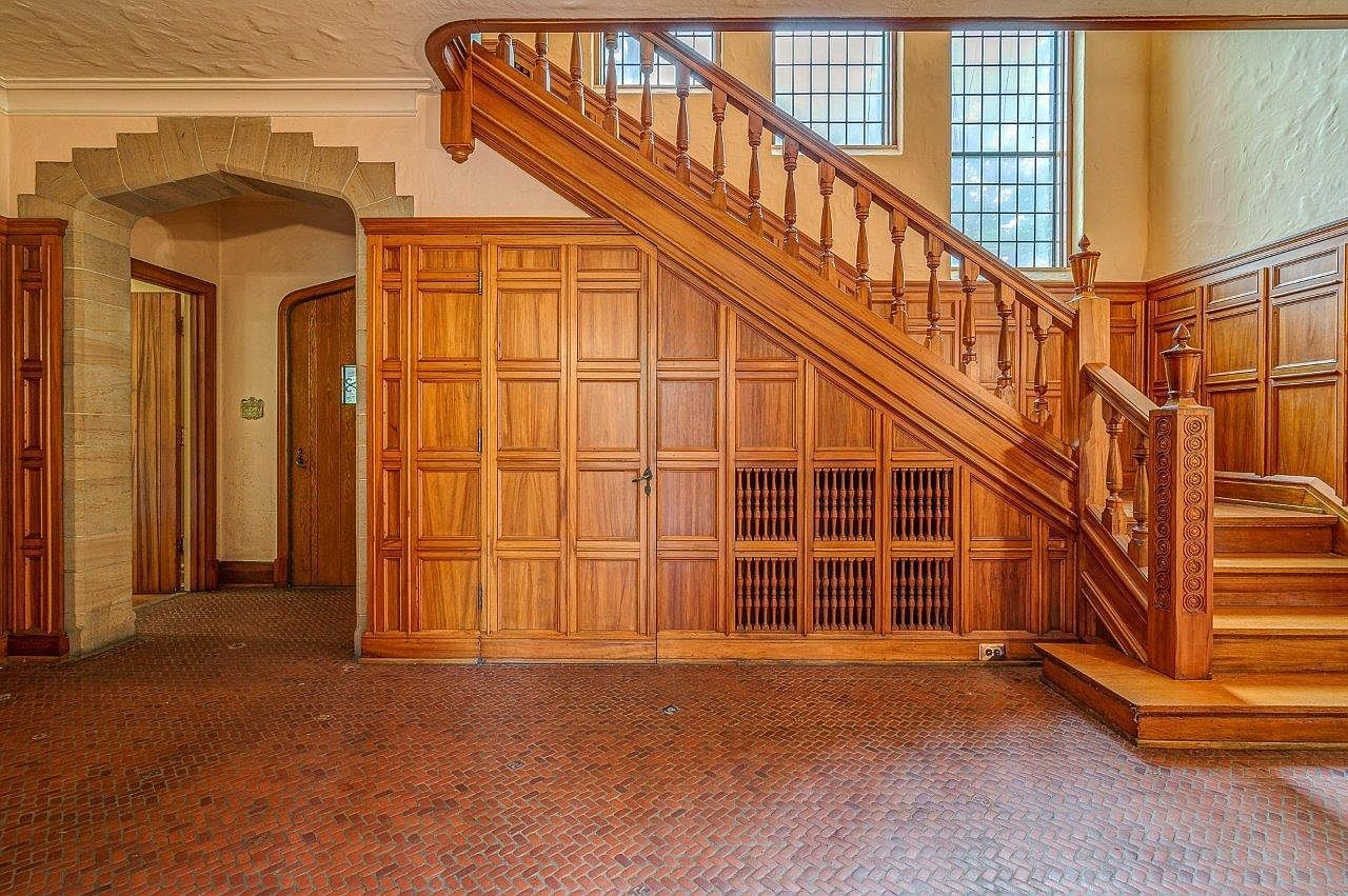 foyer, staircase