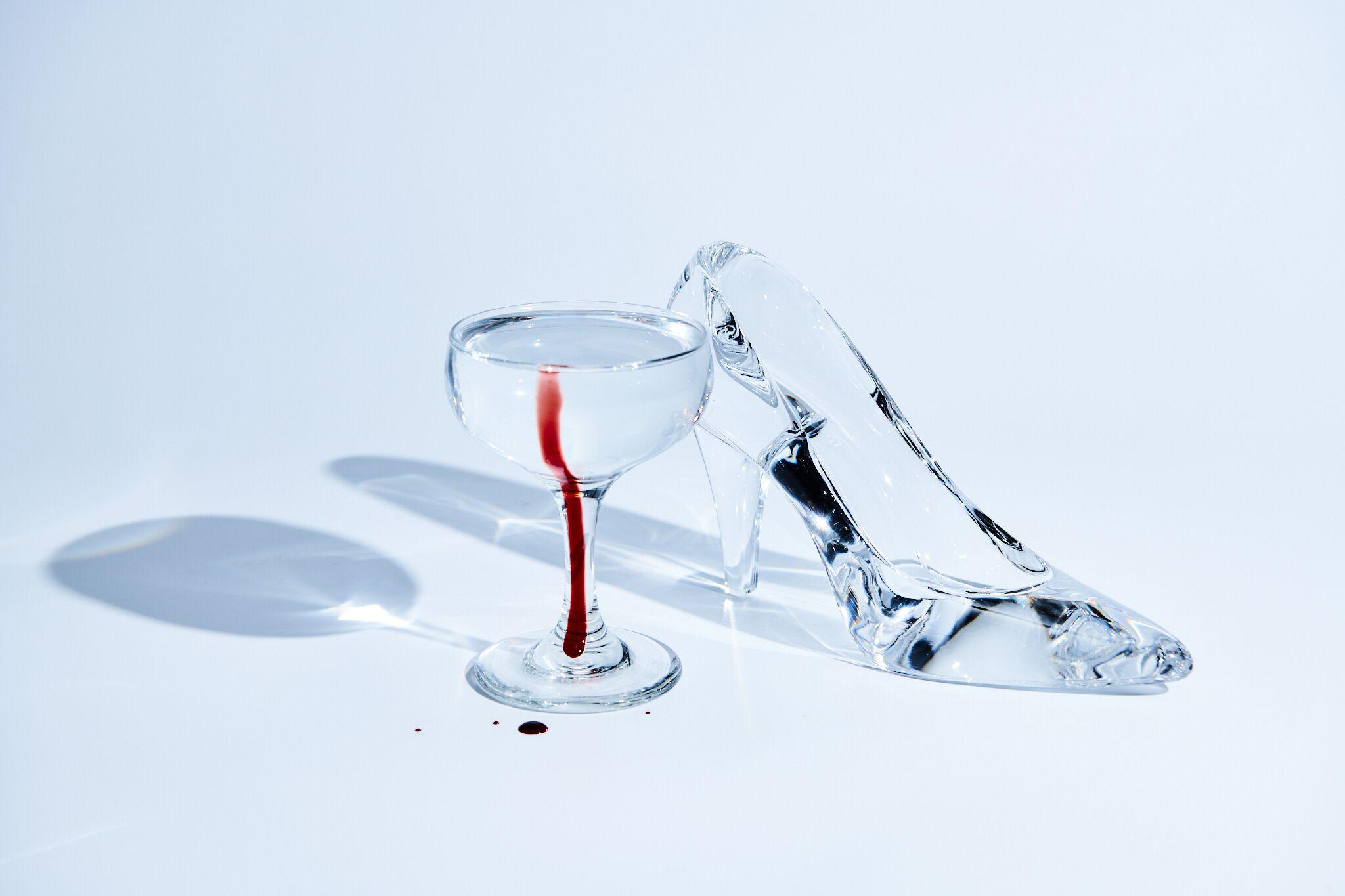 PUB Grimm glass slipper