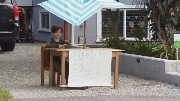 """Six-year-old Callaghan McLaughin opened his """"joke stand"""" every morning at 10 a.m. (Courtesy of Angela Sterritt/Twitter/CBC News Canada)"""