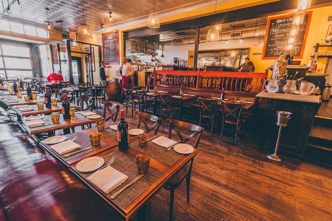 La Piquette dining room