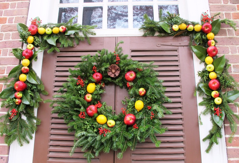 Christmas Decorations Walking Tour Colonial Williamsburg Virginia
