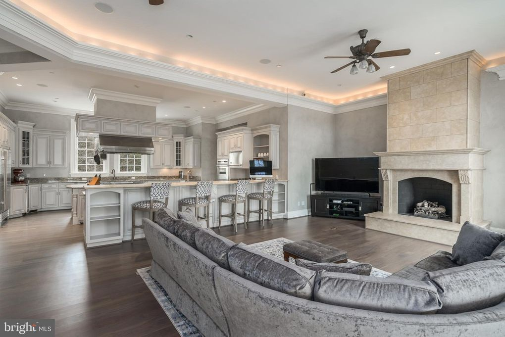 family room, lounge