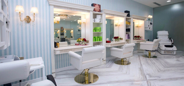 Glamour is a ladies salon located in the heart of a luxurious touristic area. In a nice ambience with wonderful views of the sea, they offer treatments especially made for your relaxation and wellness.