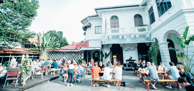 Housed in a colonial-era mansion surrounded by coconut trees and greenery, Kult Kafé is the perfect escape for a laid-back, bohemian and off-the-beaten-track experience. The drinks menu features Archipelago craft beer on tap and cocktails by the legendary local bartender, Zac Mirza. Twists on classic cocktails include the