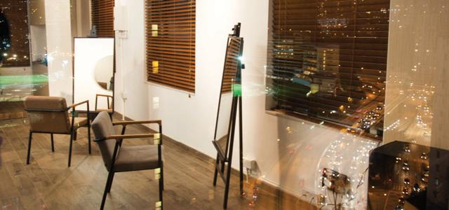 MW17坐落於香港繁榮地區,提供專業個人頭髮護理服務,為客人頭髮打造新形象,如Spa、剪髮、一般護理和染髮服務。他們承諾為每一位客人提供貼心優質的服務,同時作出合適的髮型建議,深得客人愛戴。歡迎你隨時預約服務,體驗賓至如歸的感覺。