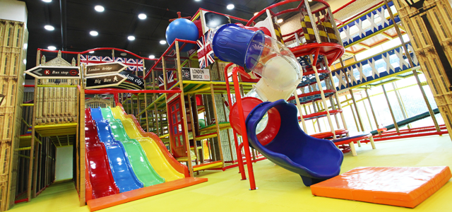 Parenthood Playland offers a fun-packed indoor playground with the aim to create a fun learning environment. Bring your kids to our attractive playground that's also equipped with enrichment classes like kid's kick-boxing, music, movement, speech and drama classes. We also offer structured classes, from academic to sports and personal hobbies, all conducted in a safe and positive environment so your children can play and learn while building their self-confidence.