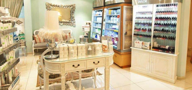 Pink Petals Health & Beauty Clinic is an upmarket beauty salon based in Kloof. With six full treatment rooms, a nail bar, a pedicure station and a tan can room, we provide for all our customers' needs male or female, young or old. Pink Petals Health & Beauty Clinic is the place to come, relax, unwind and be pampered.
