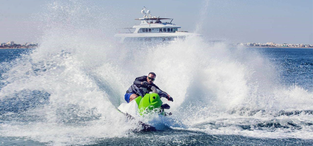 Uniboats is the best jet ski centre in Oman, in the luxurious Almouj Marina of Muscat, where you can enjoy quality time with your family and friends in a safe and fun environment. Feel the breathtaking speed that makes your heart beat faster when you go full throttle with us.