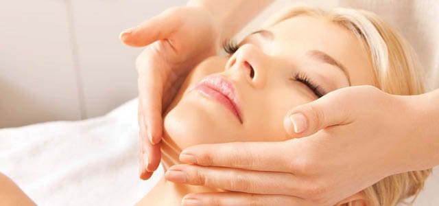Ways of Wellness or WOW, for those in the know, is South Africa's first 100% organic beauty spa. They are committed to using certified organic and natural products, free of chemicals and parabens. They invite all greenies and beauty conscious to visit Ways of Wellness, find a sense of rejuvenation and experience beauty therapies which are done the natural way. This sensational boutique-style organic beauty spa is conveniently located on Kenilworth's main road!