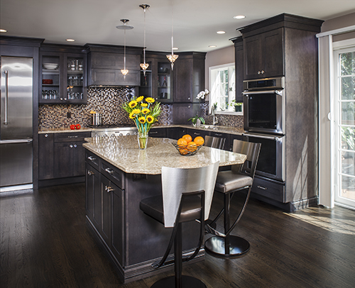 This chic metropolitan small kitchen design idea changed a once dull kitchen into a revitalized Hanover Maple Kitchen Design finished in Shadow Charcoal.