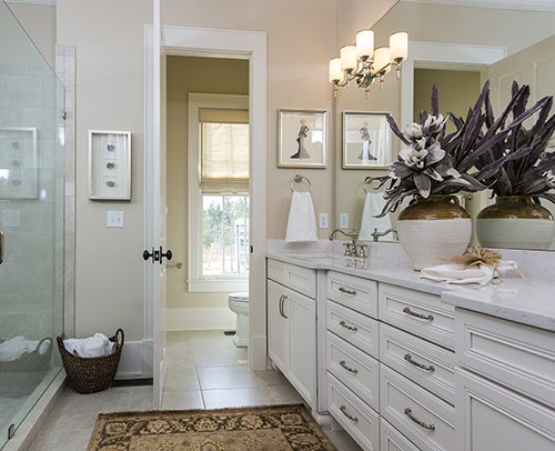 MASTER BATH - HARMONY MAPLE GLACIER