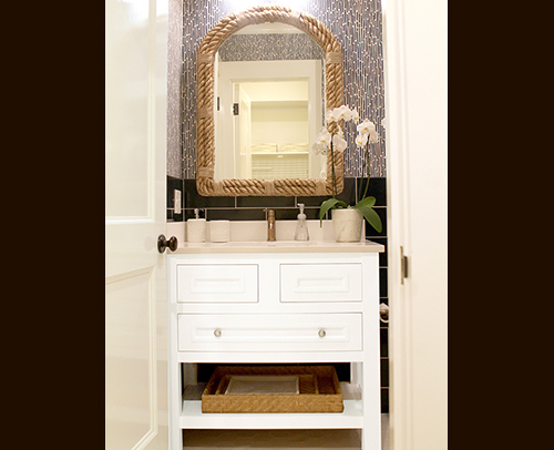 Guest Bath - Henlow Square Maple, Inset, Non-Beaded, cabinets in Wellborn