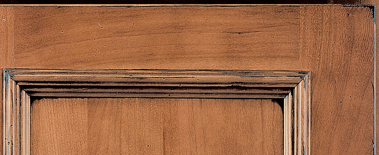 Corner of door showing Wellborn's Heirloom Finish Technique