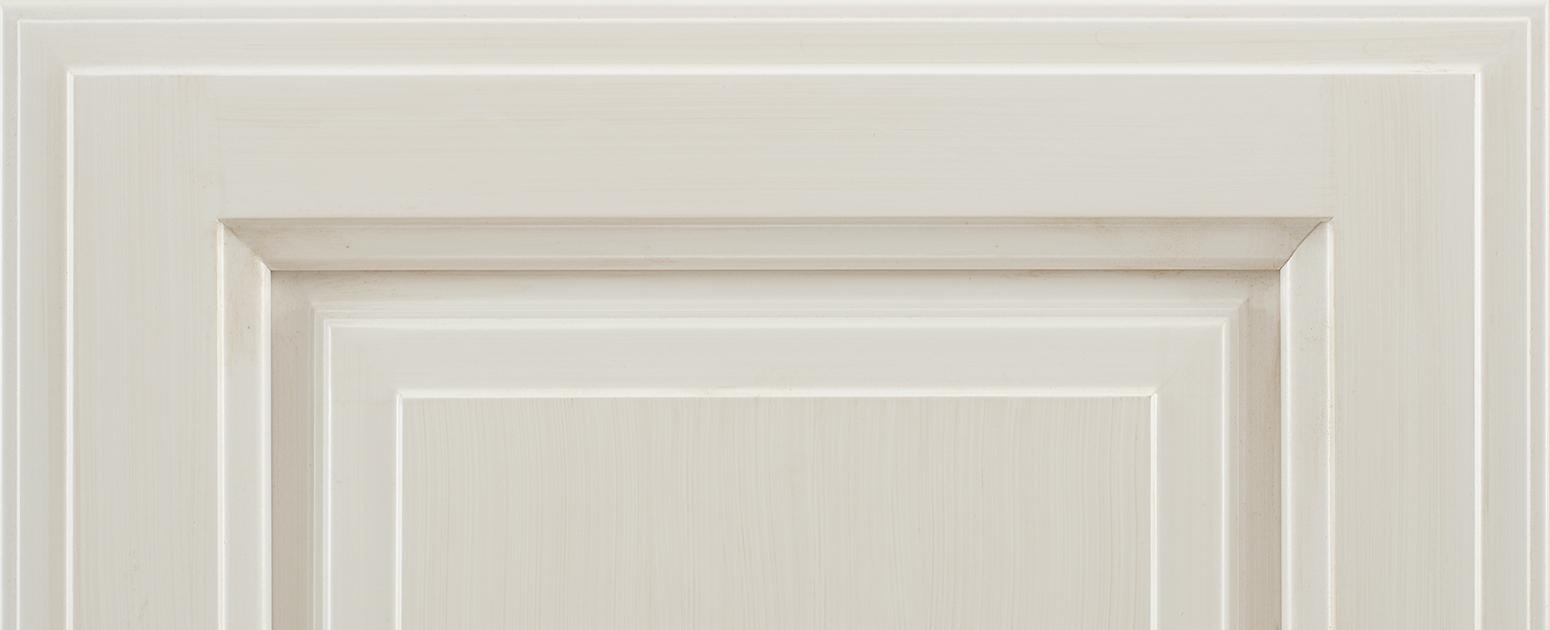 Corner of door showing Wellborn's Brush Finish Technique