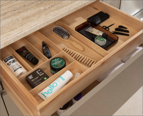 MASTER BATH<br> This cutlery divider is expertly designed to make life simple and accessible.