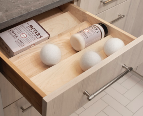 MASTER BATH<br> This spice drawer is functional, not only the kitchen but also the bathroom. It is great for keeping the bathroom clean and neat.
