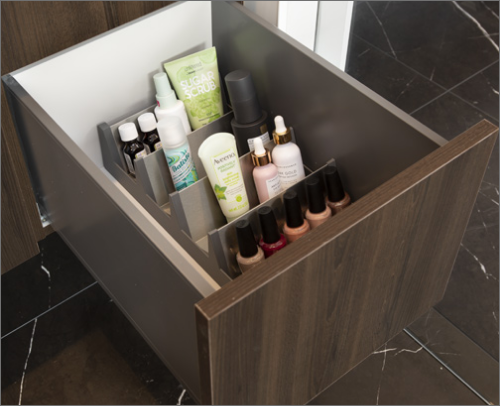MASTER BATH<br> Organizing bathroom products has never been easier with the help of the superior spice tray.