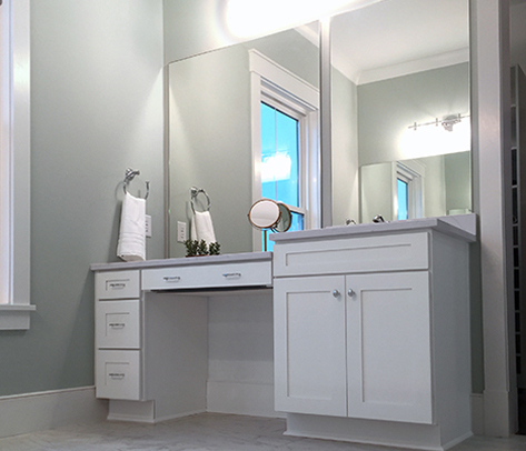 Hanover Inset cabinetry in glacier white used in the master bath