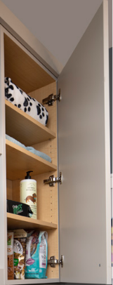 PET AREA<br> This wall cabinet is perfect for keeping things fresh and well kept.
