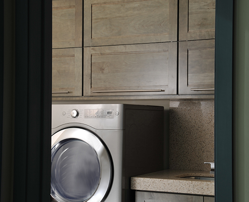 LAUNDRY ROOM - SANDIA MAPLE, EVERGREEN JAVA