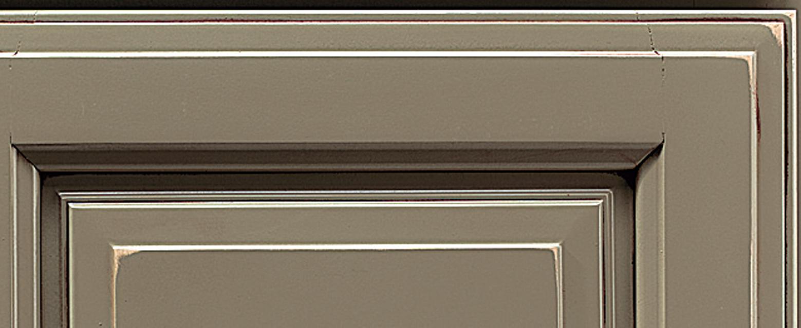 Corner of door showing Wellborn's Vintage Finish Technique