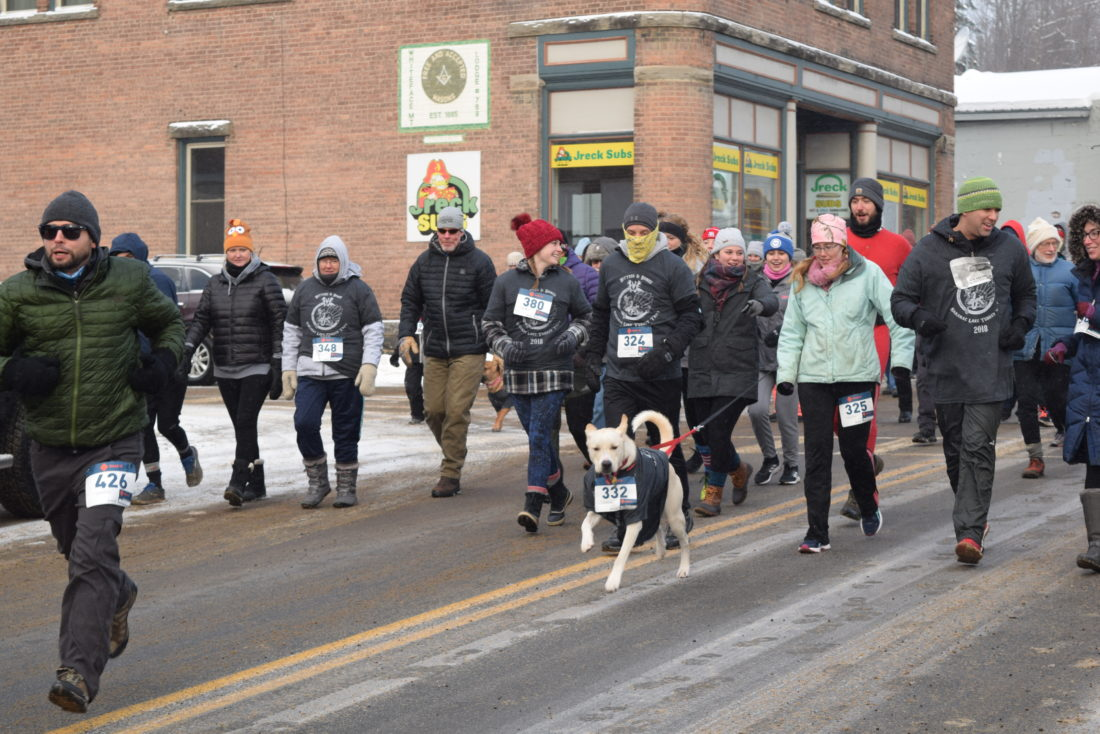 Cold turkey: Hundreds run in zero-degree Turkey Trot | News