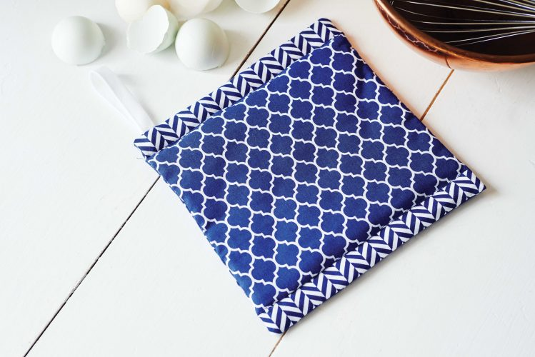 blue-potholder
