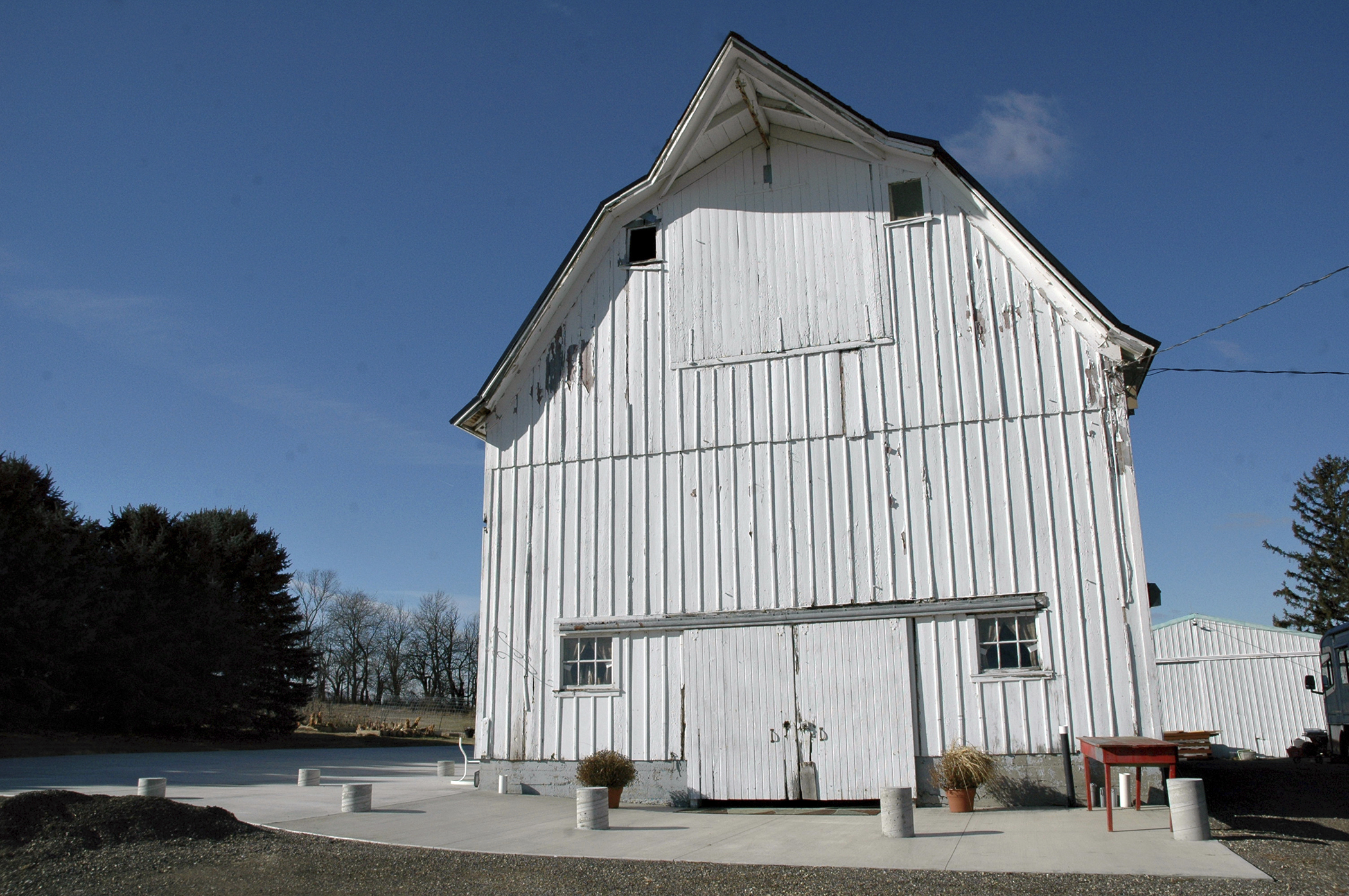 Couple Converts Barn To A Venue For Weddings