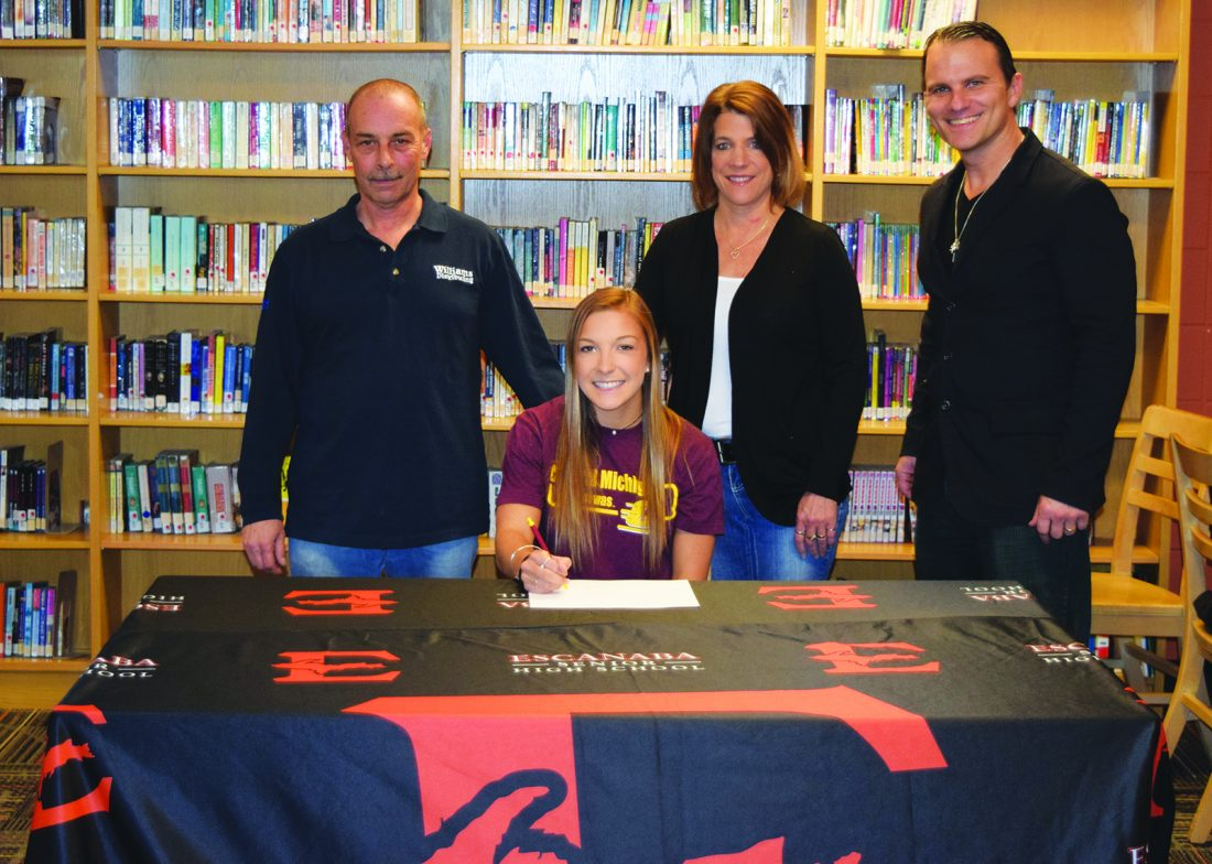 Farrell To Cheer For Chippewas