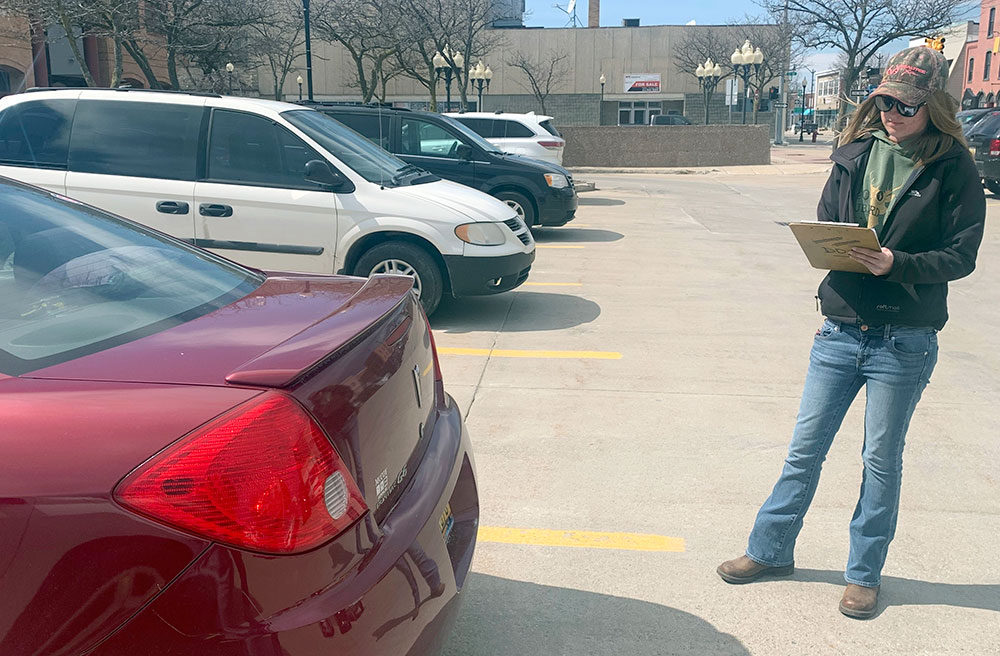 Cities told to stop marking tires for parking enforcement