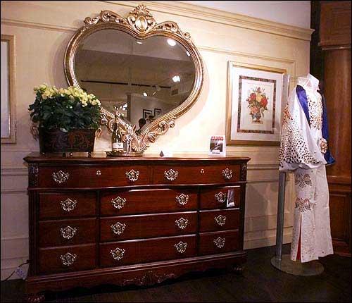 Bassett Furniture Bassett Va: Dream A Little Dream Of Elvis