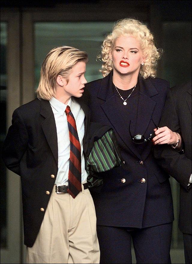 Anna Nicole Smith's son dies in Bahamas   News, Sports ...