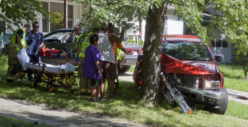 Air ambulance called to Lawrence Avenue accident | News, Sports