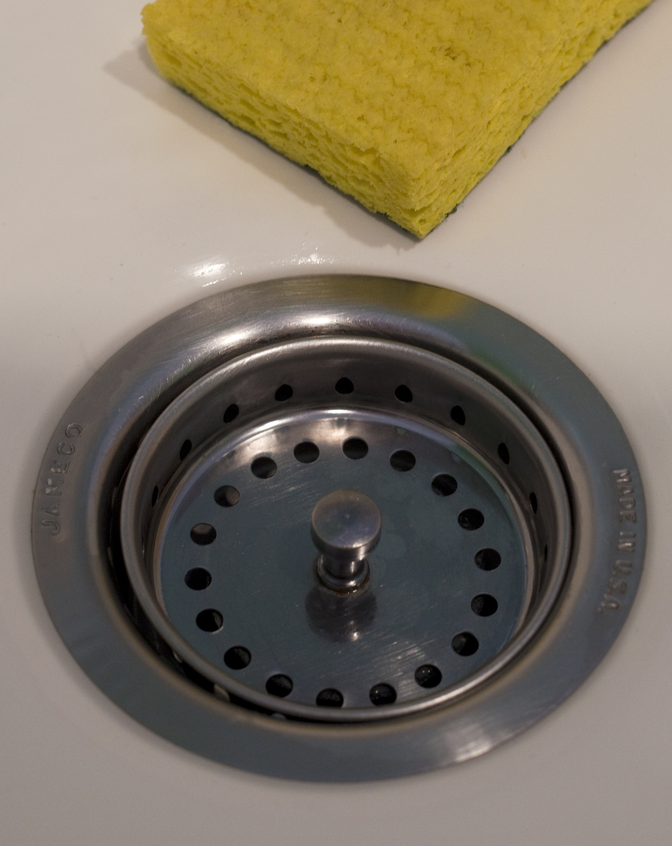 Kitchen sink strainer simple to replace yourself | News ...