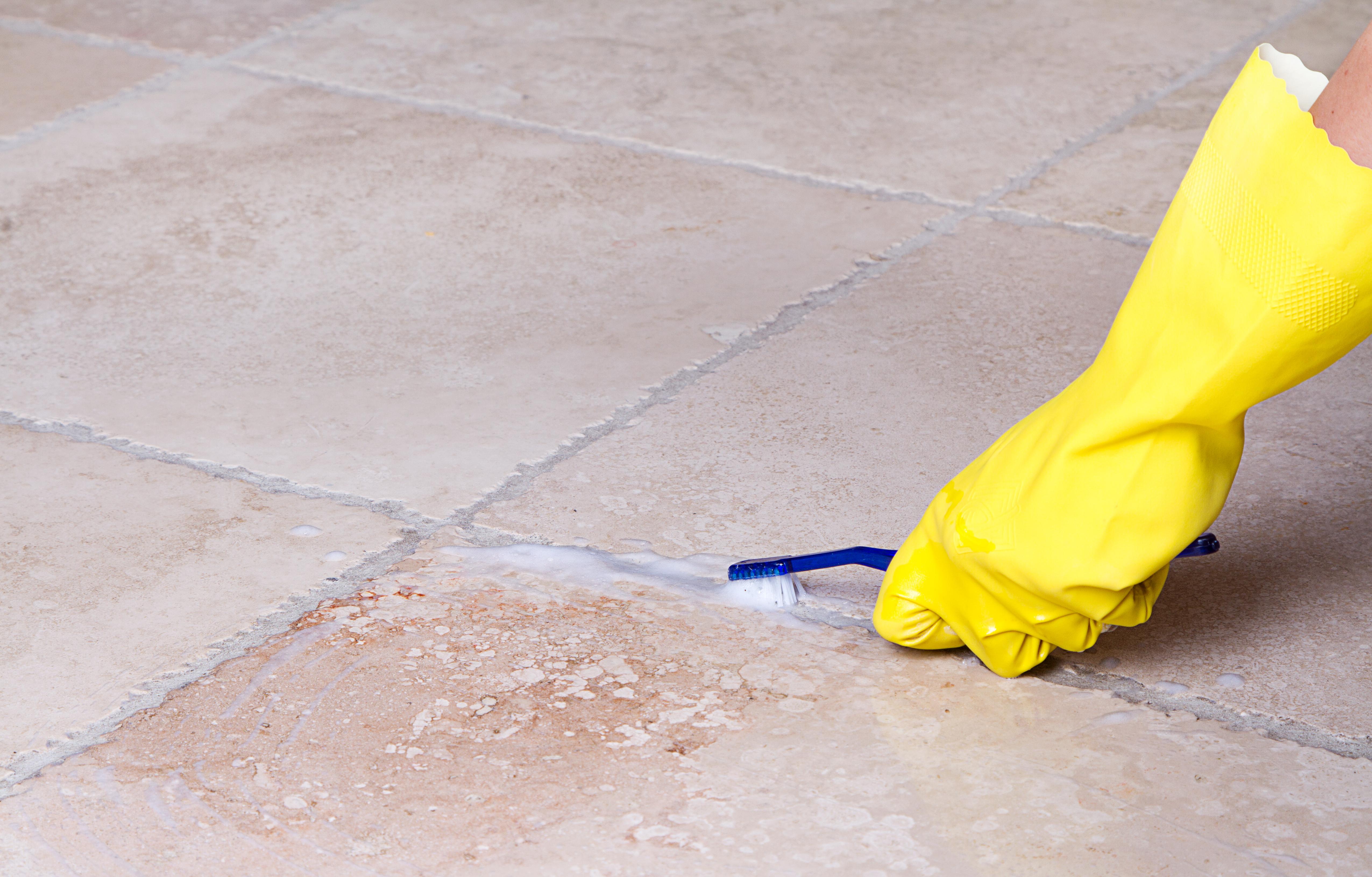 Как очистить затирку домашним методом?