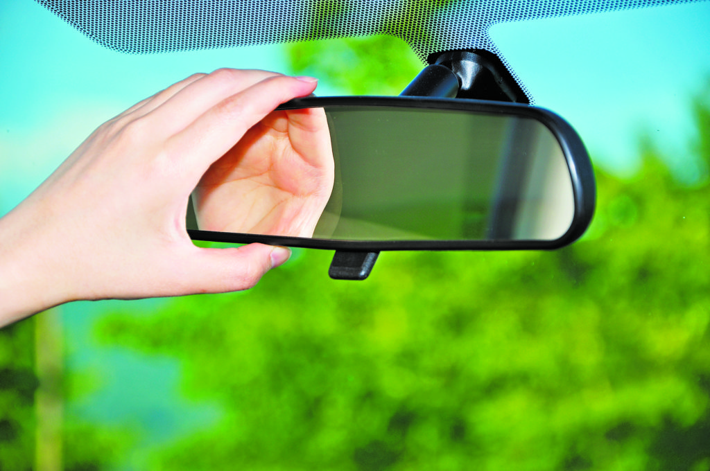 How To Fix Rear View Mirror >> Fix It Chick Reattach A Rearview Mirror News Sports Jobs