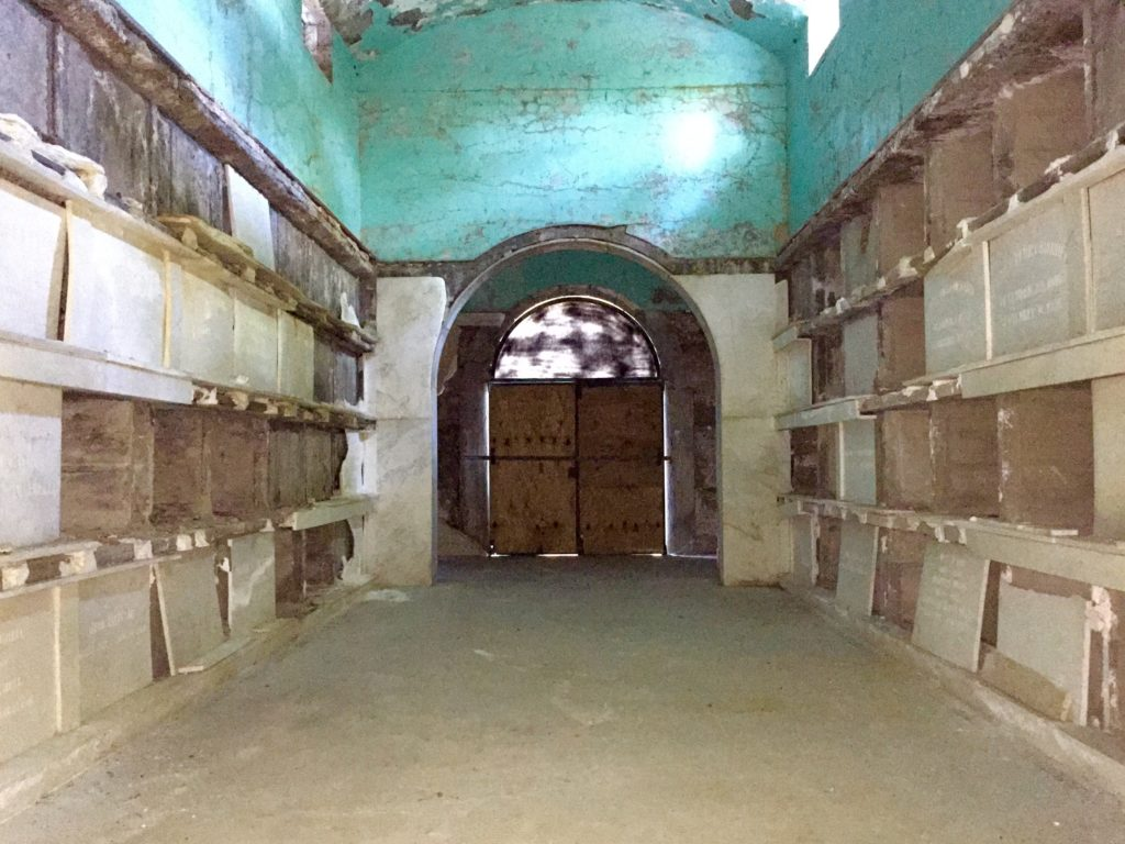 City Plans To Make About 10 000 In Repairs To 100 Year Old Mausoleum News Sports