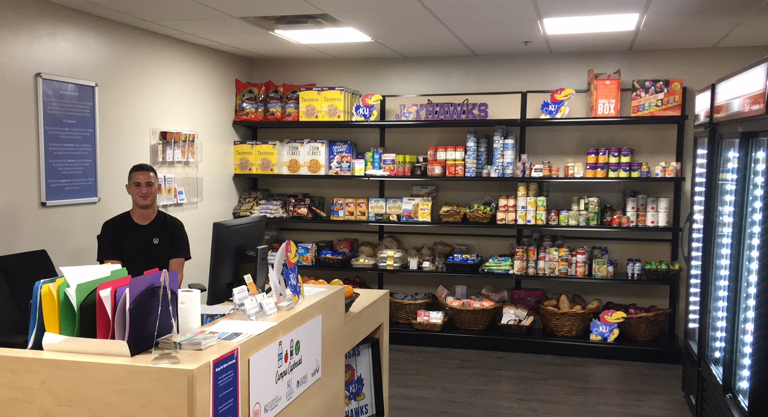 Free Food Pantry With Fresh Produce And Meat Opens In Ku S