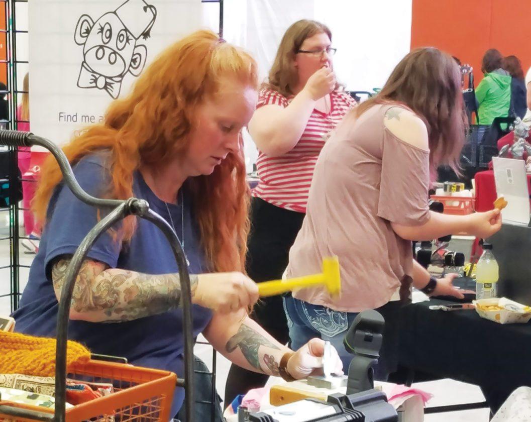 Angela Baron craft fair draws a crowd at arena | news, sports, jobs