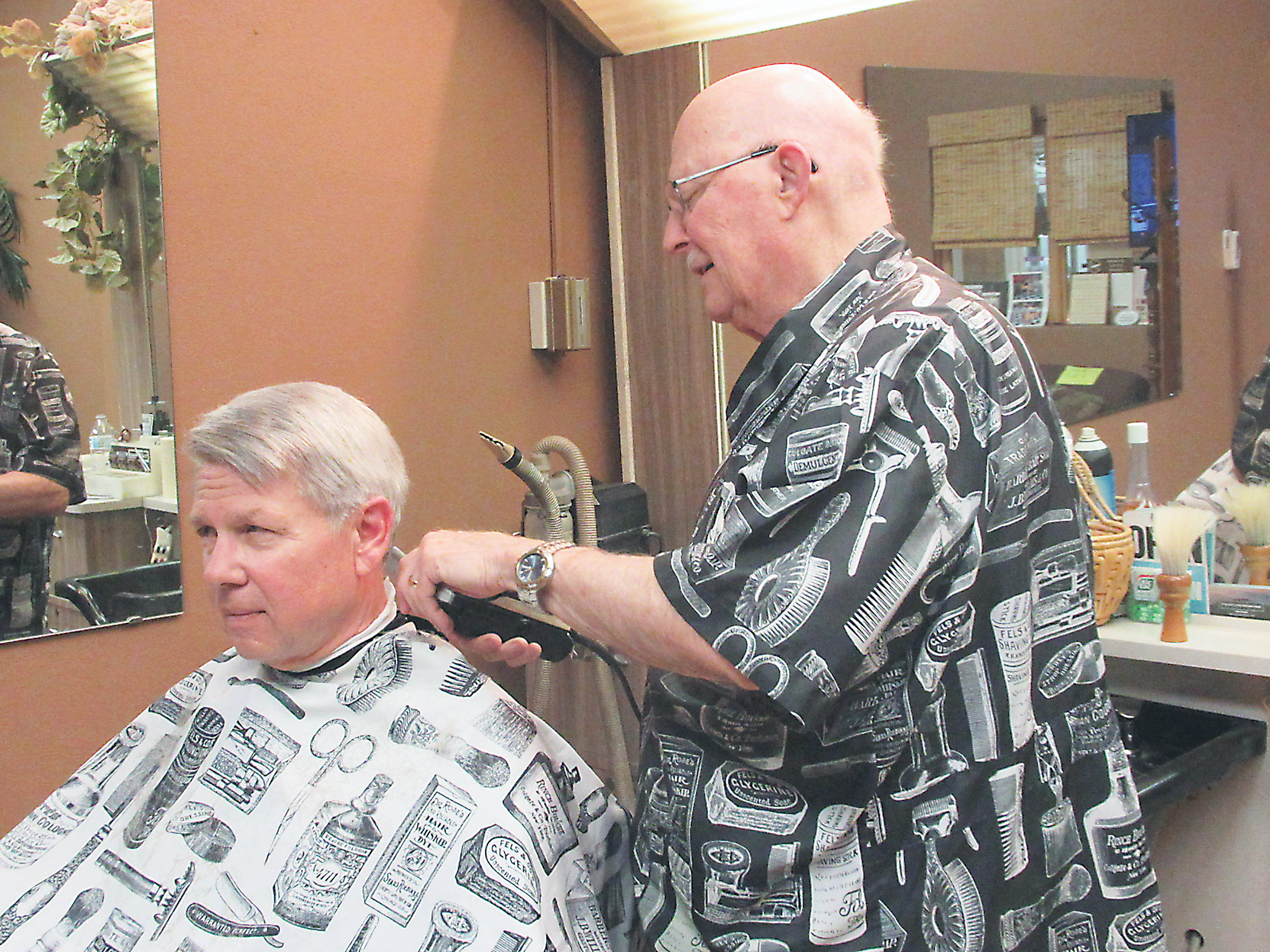 One chair, one barber | News, Sports, Jobs - Marshall Independent