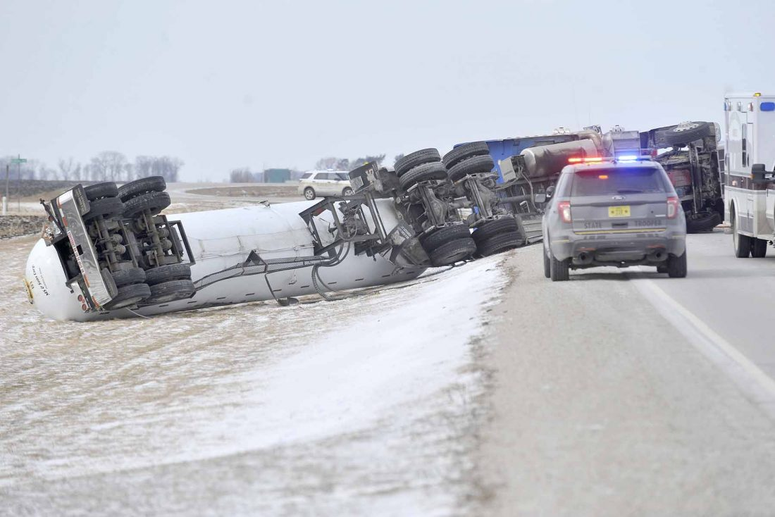 One hurt in crash that closed Highway 175 | News, Sports