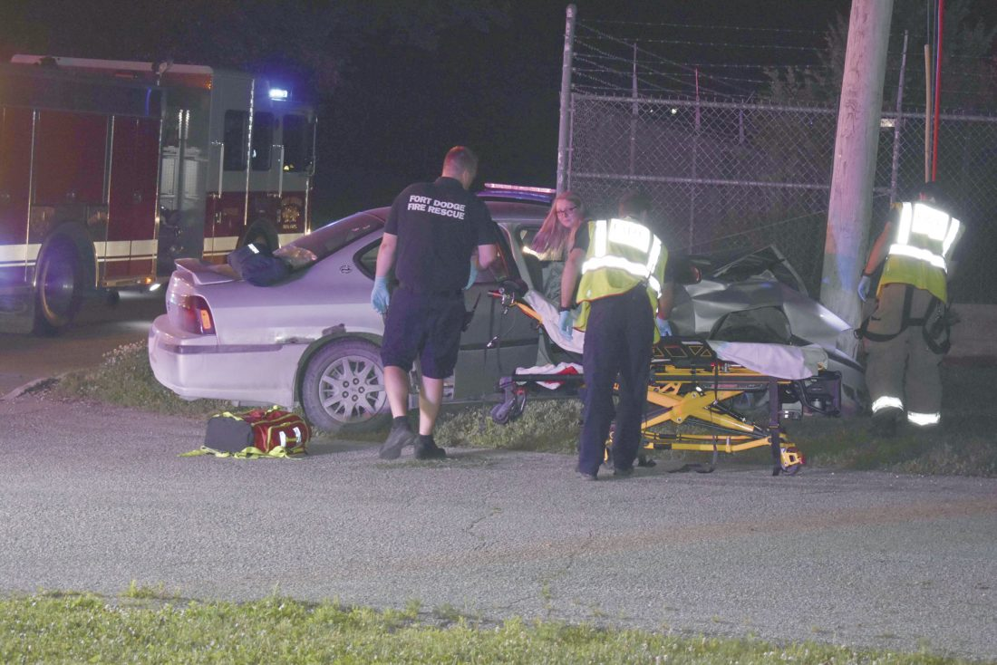One injured in crash | News, Sports, Jobs - Messenger News