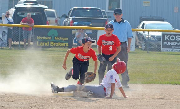 Posting a big 'W': Marquette gets 'dubs' with 20-0 Little League