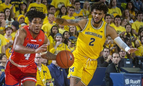 Michigan Wolverines Men S Basketball Team Runs All Over