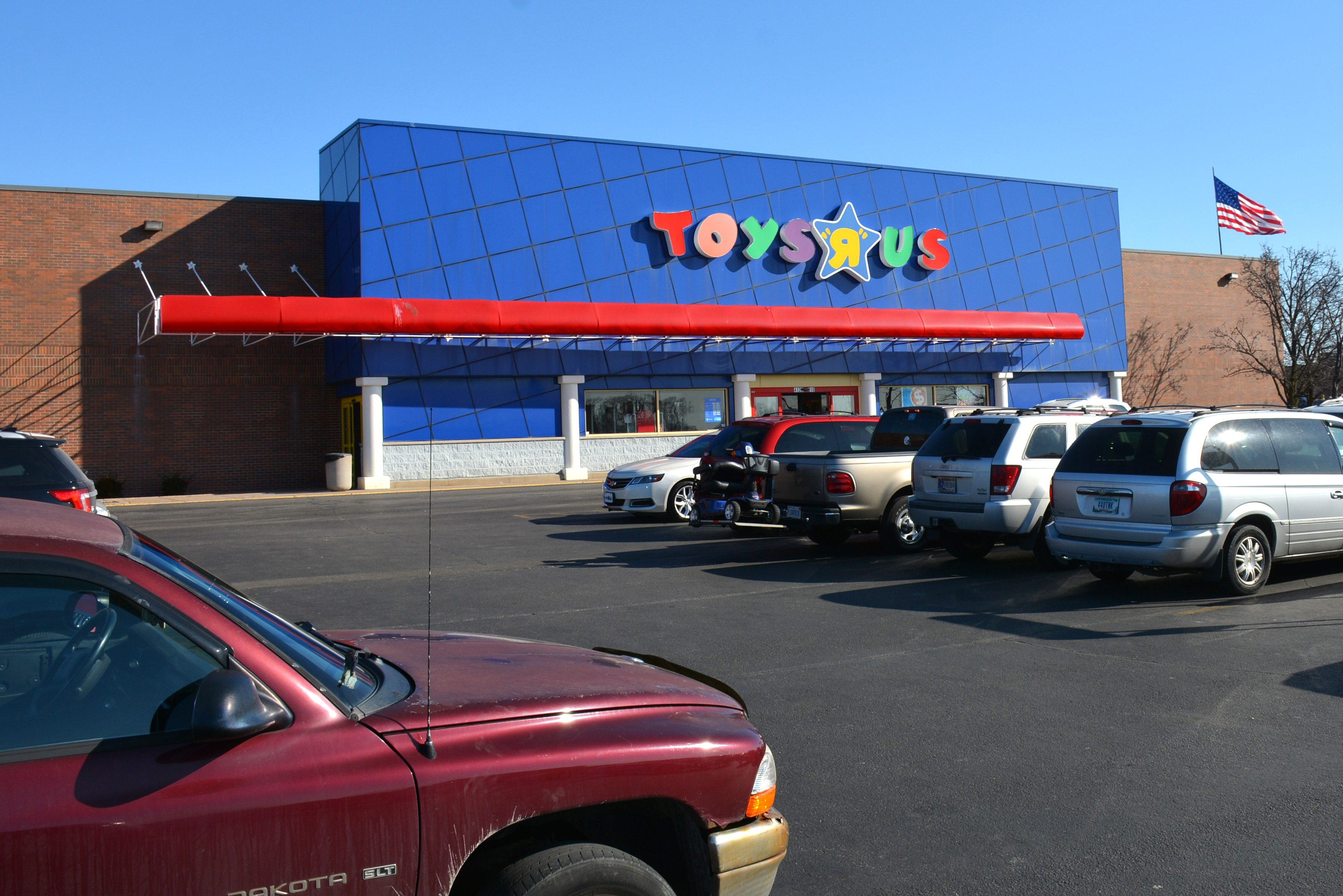 Local Toys R Us Store Liquidation Sales Put On Hold News Sports