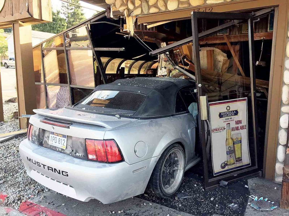 Car crashes into Los Agaves Mexican Restaurant | News, Sports, Jobs