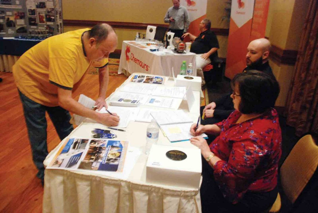 Employers, potential workers drawn to Parkersburg News and