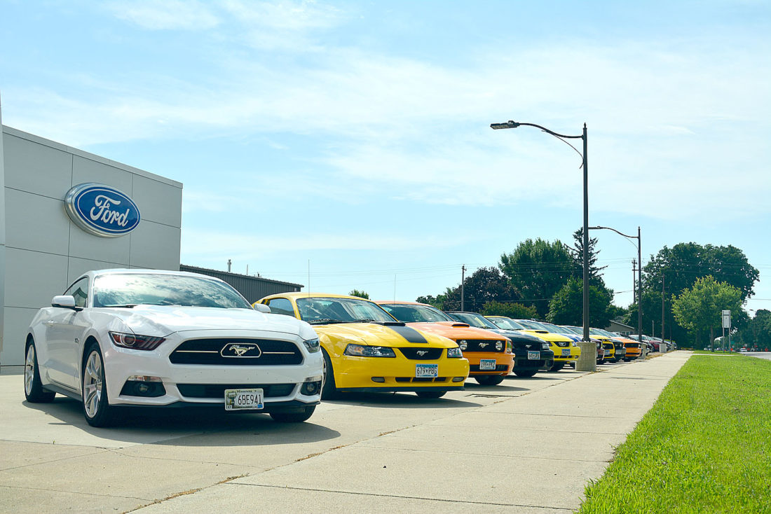 Chuck Spaeth Ford >> Mustang Lovers Ride Into New Ulm News Sports Jobs The