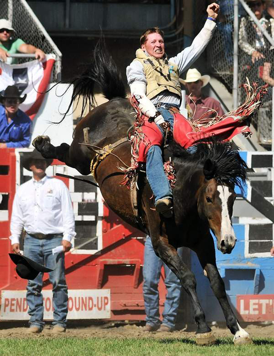 Cowboys With Ties To Gerry Rodeo Are Competing At National